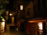 夜のモンサンミッシェル城内3